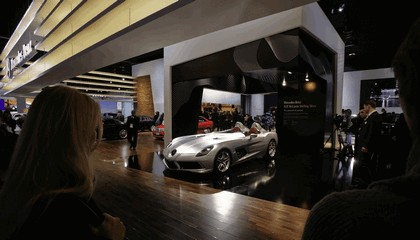 2009 Mercedes-Benz McLaren SLR Stirling Moss 32