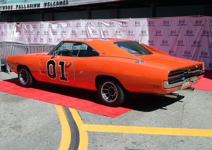 1969 Dodge Charger ( Dukes of Hazzard - General Lee ) 9