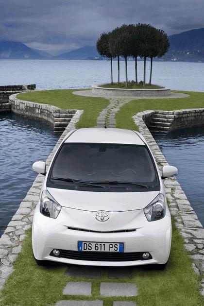 2009 Toyota iQ 51