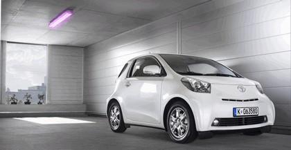 2009 Toyota iQ 103