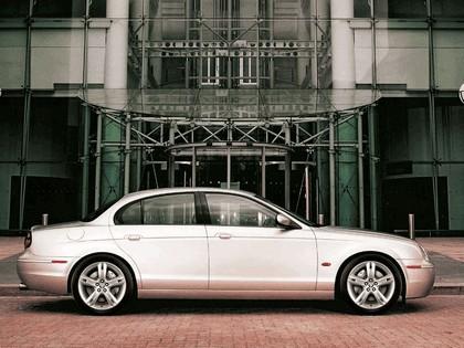 2004 Jaguar S-Type R 9