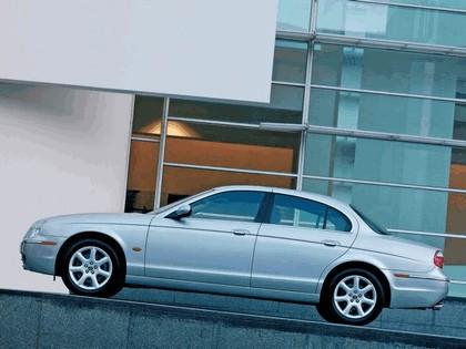 2004 Jaguar S-Type R 23