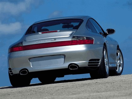 2002 Porsche 911 Carrera 4S 17