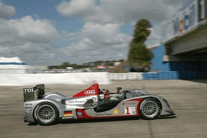 2009 Audi R15 TDi ( ALMS - 12 hours of Sebring - wins debut ) 10