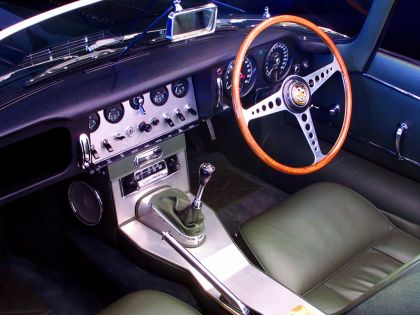 1961 Jaguar E-Type s1 roadster 12