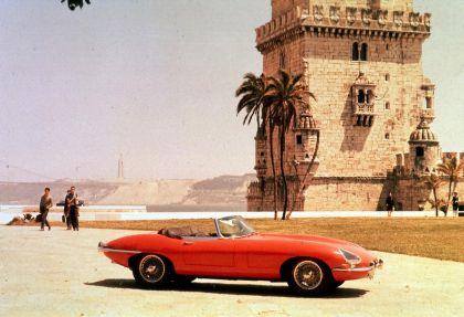 1961 Jaguar E-Type s1 roadster 14