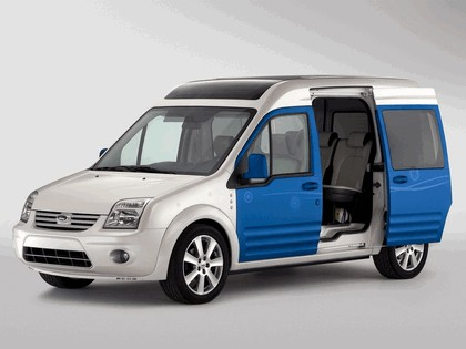 2009 Ford Transit Connect Family One concept 3