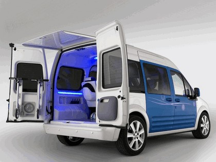 2009 Ford Transit Connect Family One concept 8