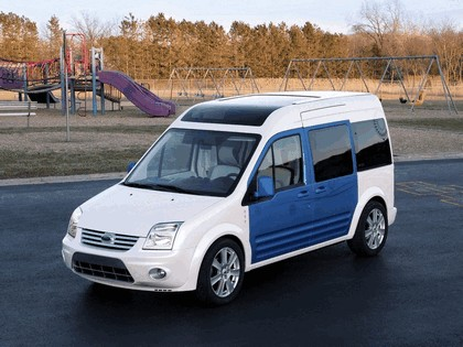 2009 Ford Transit Connect Family One concept 9