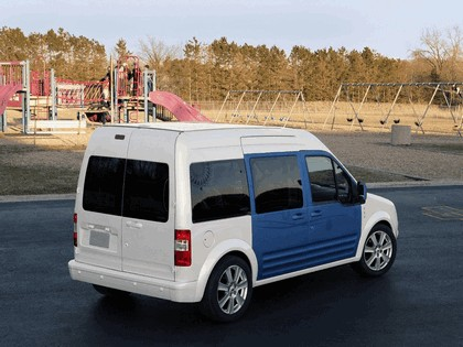 2009 Ford Transit Connect Family One concept 10