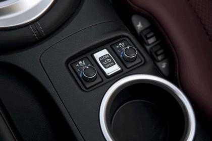 2010 Nissan 370Z roadster 17