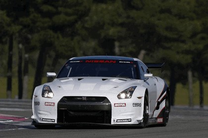 2009 Nissan GT-R FIA GT1 ( Magny Cours unveiling ) 2