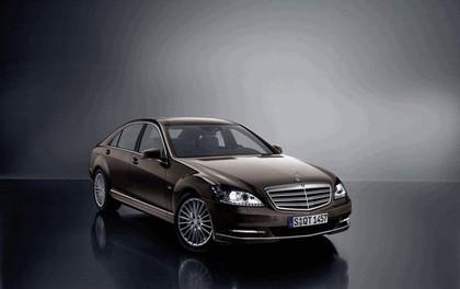 2009 Mercedes-Benz S600 1