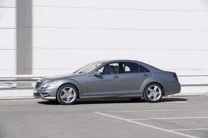 2009 Mercedes-Benz S-klasse with AMG Sports package 6