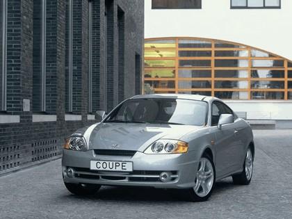 2002 Hyundai Coupe 4