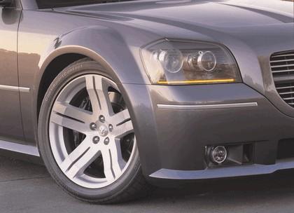 2003 Dodge SRT-8 concept 3
