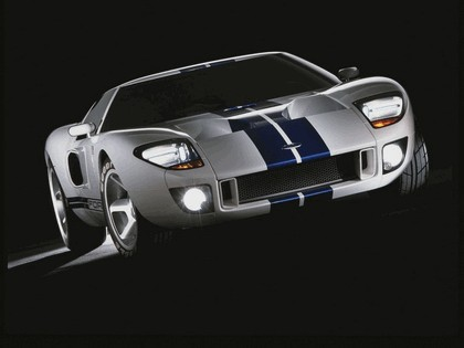 2003 Ford GT concept 26