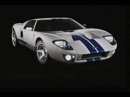 2003 Ford GT concept 28