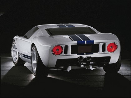 2003 Ford GT concept 31