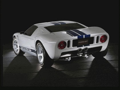 2003 Ford GT concept 32
