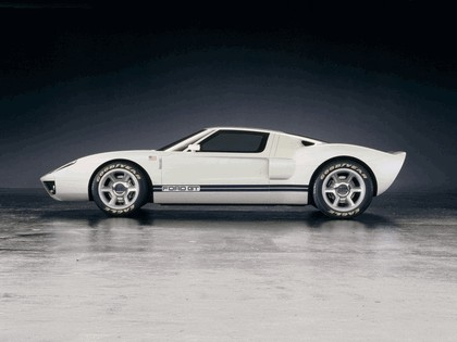 2003 Ford GT concept 35