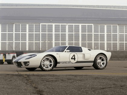 2003 Ford GT concept 36