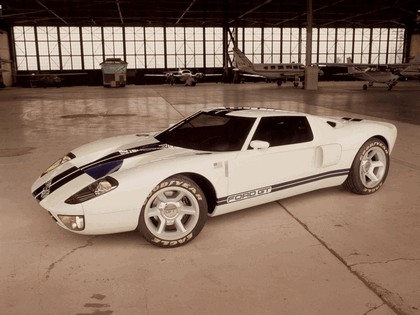 2003 Ford GT concept 37