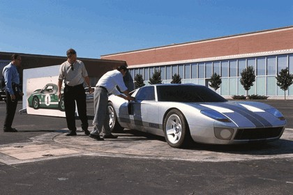 2003 Ford GT concept 56