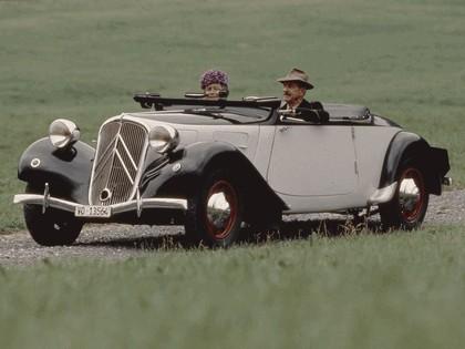 1935 Citroen Traction Avant 11CV cabriolet 2