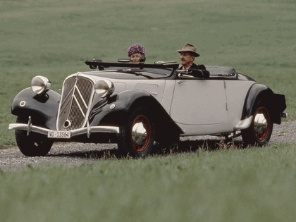 1935 Citroën Traction Avant 11CV cabriolet 2