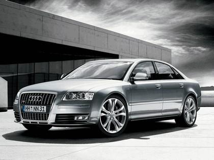 2008 Audi S8 1