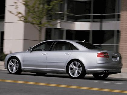 2008 Audi S8 11