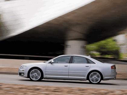 2008 Audi S8 12
