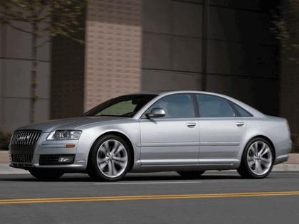 2008 Audi S8 13