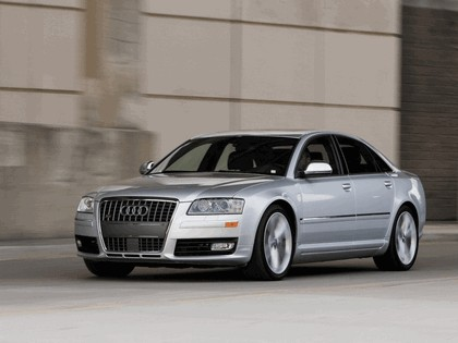 2008 Audi S8 14
