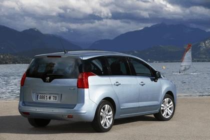 2009 Peugeot 5008 25