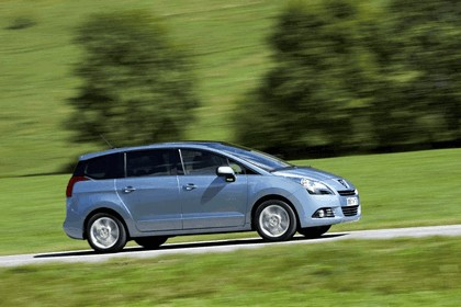 2009 Peugeot 5008 37