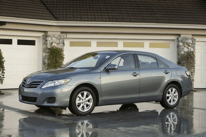 2010 Toyota Camry LE 1