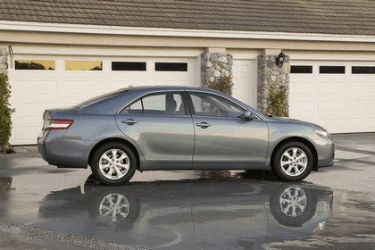 2010 Toyota Camry LE 2