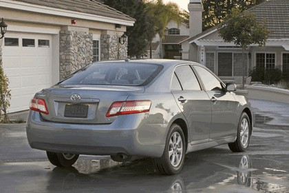 2010 Toyota Camry LE 3