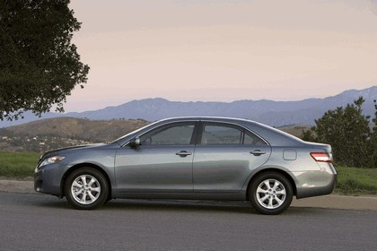 2010 Toyota Camry LE 7