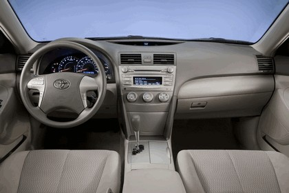 2010 Toyota Camry LE 17