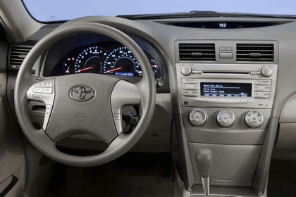 2010 Toyota Camry LE 18