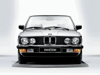 1981 BMW 528i ( E28 ) 3