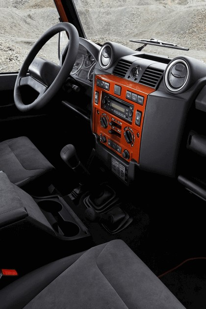2009 Land Rover Defender Limited Edition Fire 10