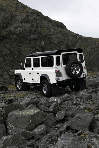 2009 Land Rover Defender Limited Edition Ice 4