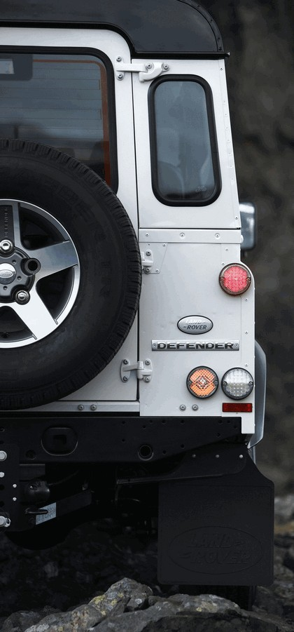 2009 Land Rover Defender Limited Edition Ice 6