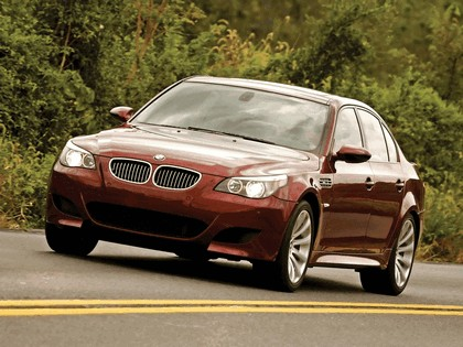2004 BMW M5 ( E60 ) - USA version 14