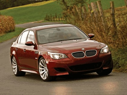 2004 BMW M5 ( E60 ) - USA version 17