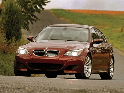 2004 BMW M5 ( E60 ) - USA version 18